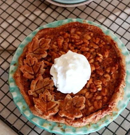 Salted Maple Walnut Pie // treatswithatwist.com