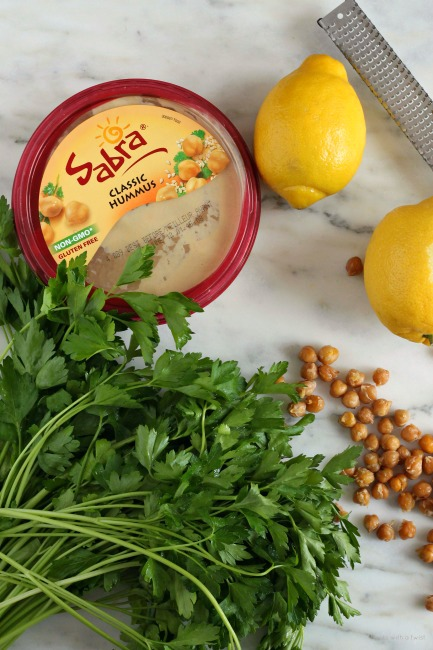 Crispy Lemon Garlic Chickpea hummus // treatswithatwist.com