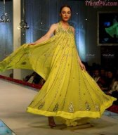 trendy mehndi bridals dress collection 2012 by design3r-6