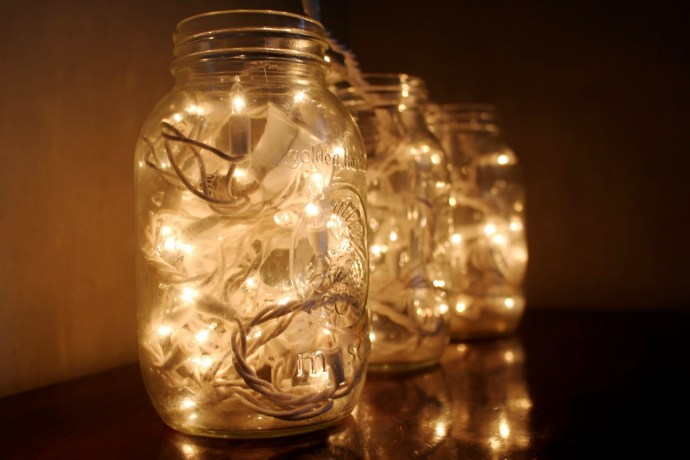 Christmas-decor-mason-jars-685