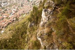 Ammasso roccioso Mori: M5S ha chiesto un intervento immediato diverso da quello deciso
