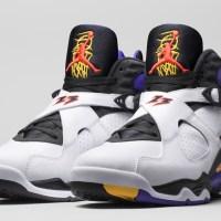 In-Hand Review: Jordan 8 '3-Peat' (Video)