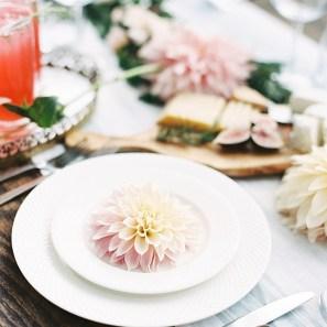 flower table setting