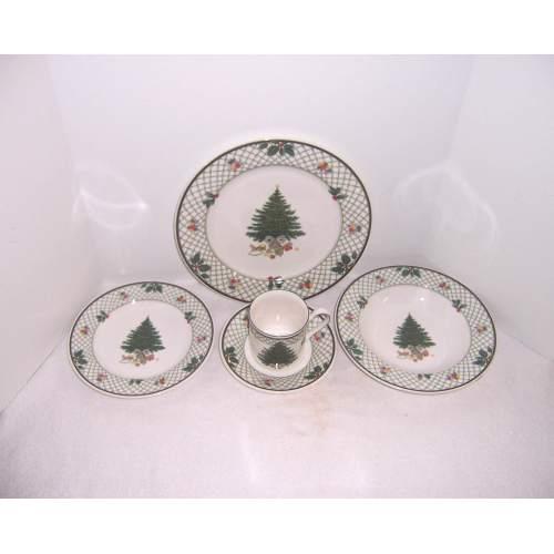 Medium Crop Of Christmas Dinnerware Sets