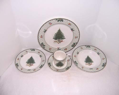 Medium Of Christmas Dinnerware Sets