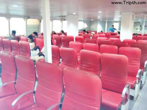 เบาะนั่งภายในเรือคาตามาราน