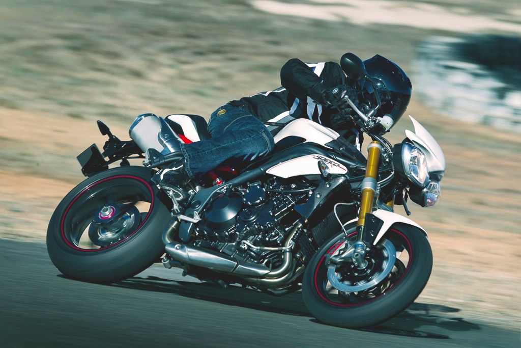 triumph-speed-triple-r-8