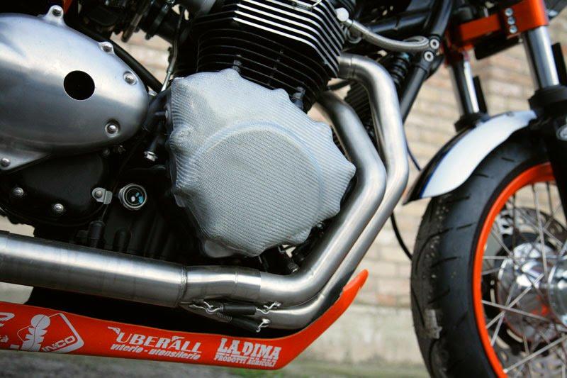 Triumph Thruxton by De Caesar Race Components 05