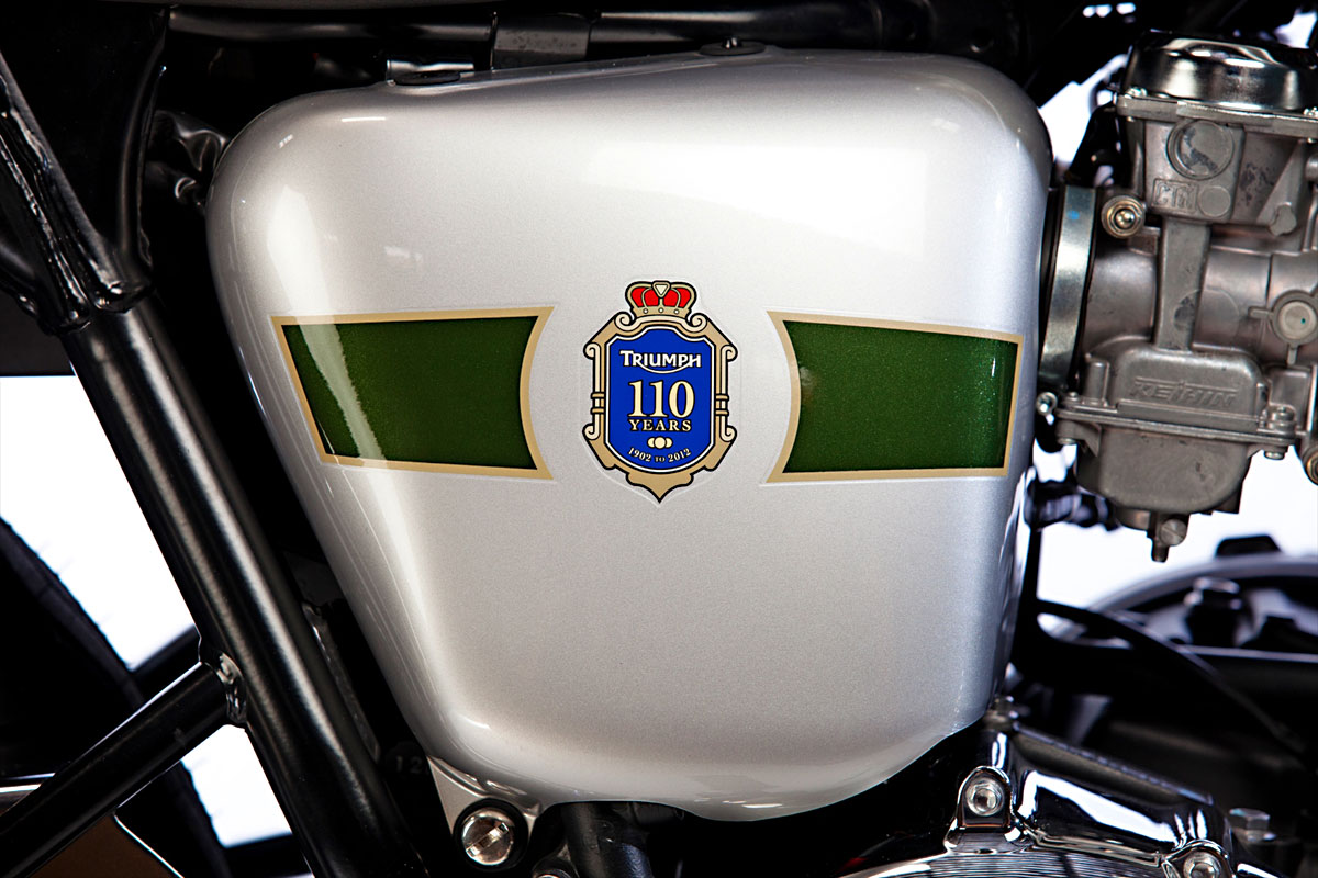 2012_triumph_bonneville_t100_110th_anniversary_04