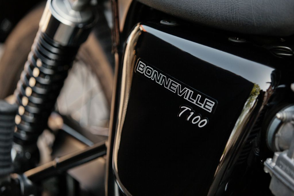 2014_triumph_bonneville_t100_black_02