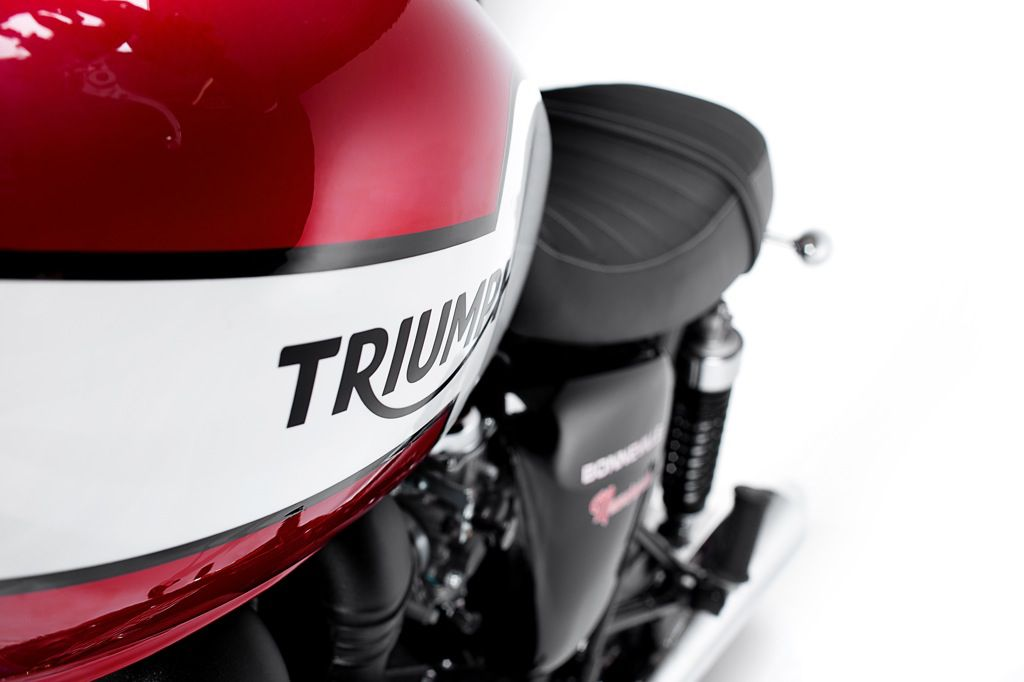 LD - Triumph - Bonneville Newchurch - 1118