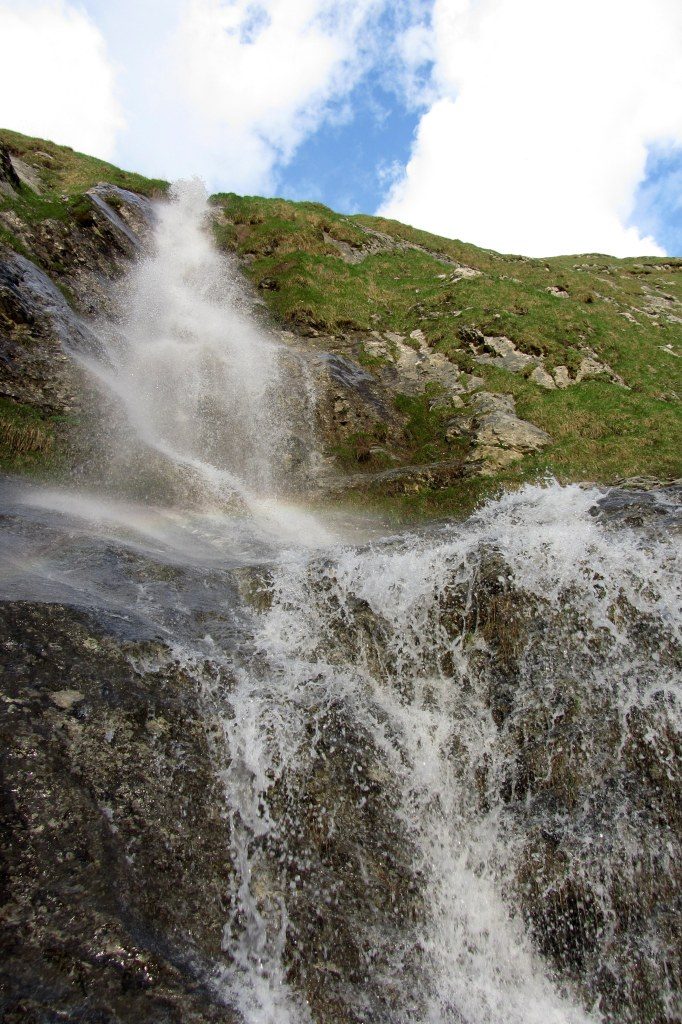 waterfall in grindelwald