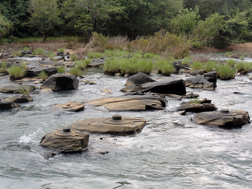 sahasra-linga-02-River in India drained revealing thousand ancient secrets