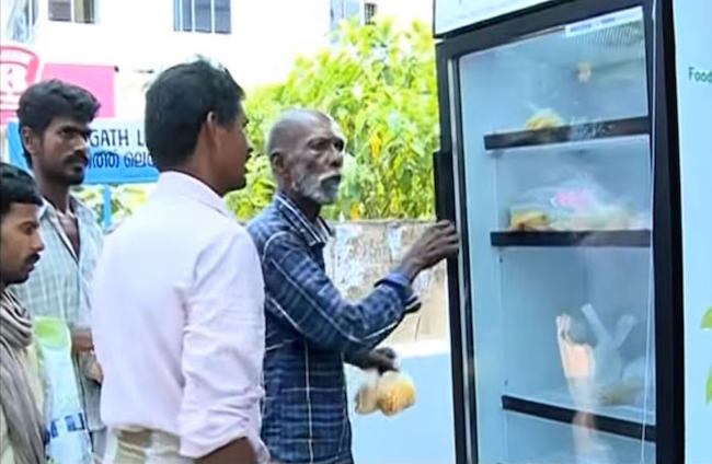 A restaurant placed a fridge on the streets to give homeless leftover food. (5)