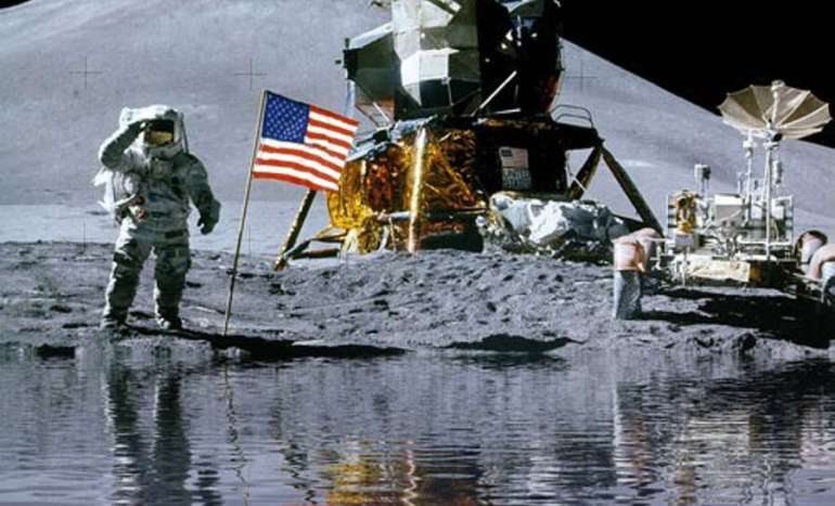 where the water in the subsoil of the Moon comes from