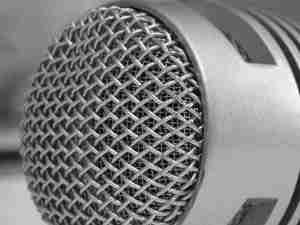 microphone-close-shot-1551836