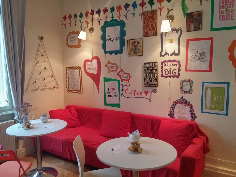 Pura Vida co-working space pe Airbnb