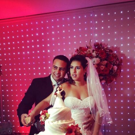 Na foto o casal Eduardo e Viviane