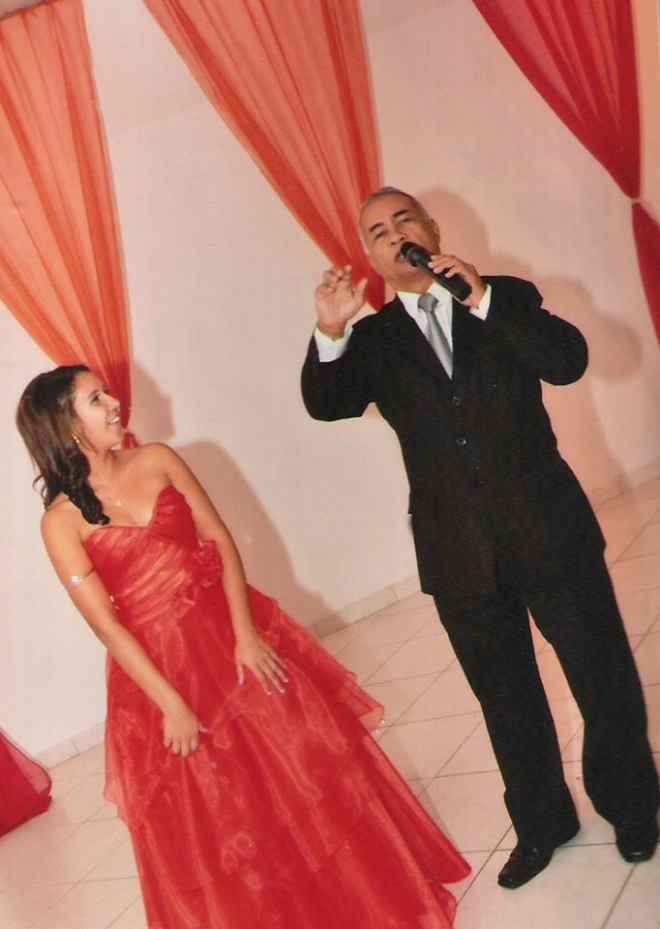 Apresentação de Túlio de Pinho no cerimonial de 15 anos da linda debutante Thamires Lopes na Casa de festa Maison Cristal em Duque de Caxias,RJ.