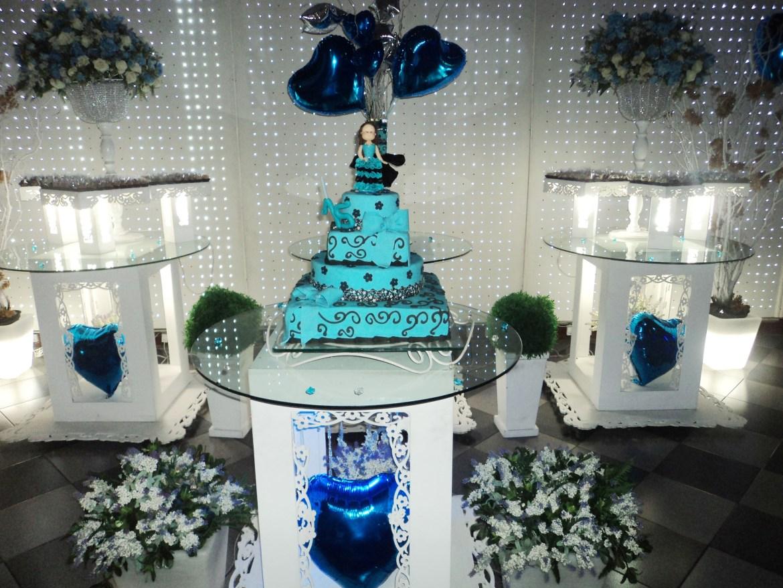 foto muito boa mesa do bolo 15 anos Maiara, 22.8.14, Espaço 525,Vista Alegre