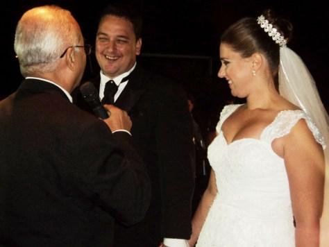 foto boa Livia e Otavio durante cerimônia, 6.9.14, Marica