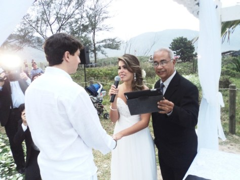 foto casamento praia Grumari,RJ, 27.9.14, Aline e Otávio, votos