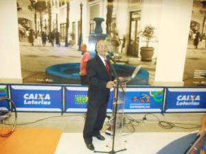 foto tulio apresentando evento CEF, 2, 11.6.15