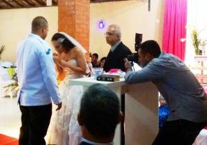 Momento de grande emoção na cerimônia de Rodolfo e Silvia.