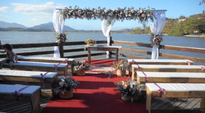 Celebrante de casamento ecumênico em Cinéa Fest house Saquarema, RJ