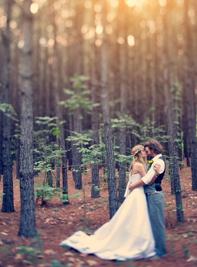 20 Enchanting Wedding Photo Ideas for Woodland Brides ...
