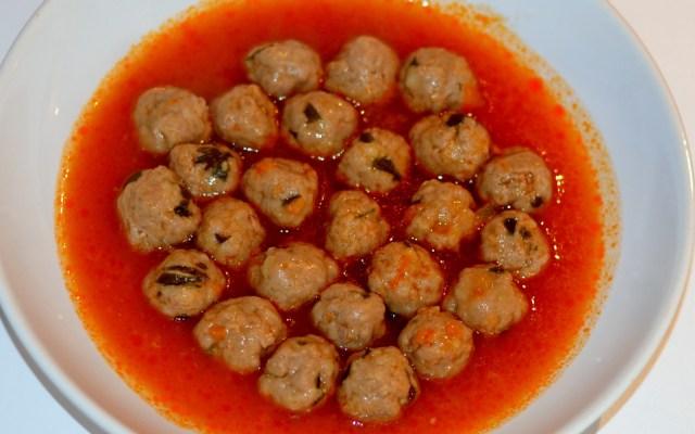 TOPTOPU, czyli kulki mięsne wpomidorowym sosie