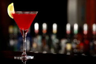 como-preparar-o-drink-cosmopolitan-2
