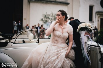 bride cry emotions tuscany wedding photographer