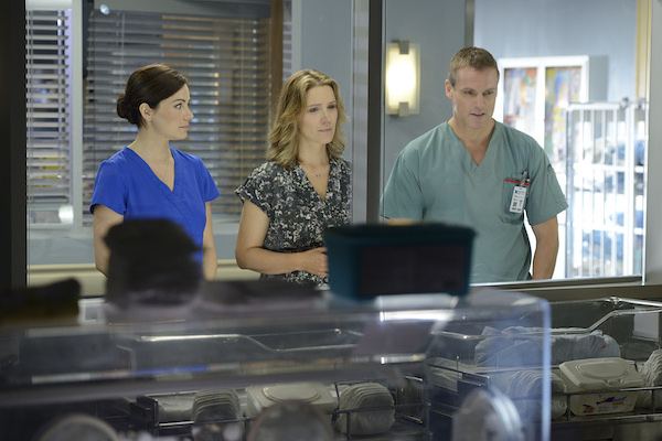 Erica Durance and Michael Shanks in CTV's 'Saving Hope.' Episode 302 'Kiss Me Goodbye.' Photo from Bell Media.