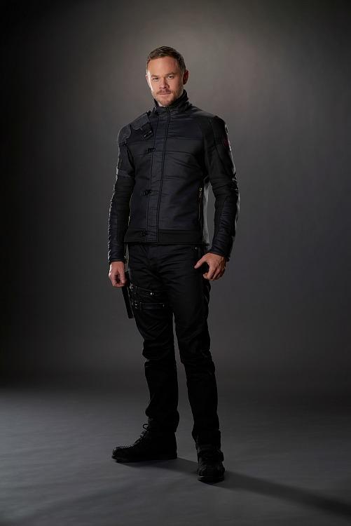 Aaron Ashmore as Johnny Jaqobis