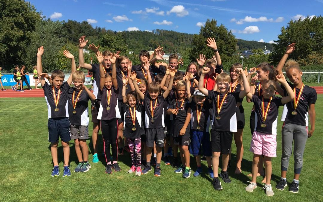 Das Team des TV Bolligen holt sich Gold, Silber und Bronze am Jugendsporttag in Gümligen