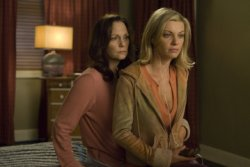 In Plain Sight - Lesley Ann Warren as Jinx Shannon, Nichole Hiltz as Brandi Shannon
