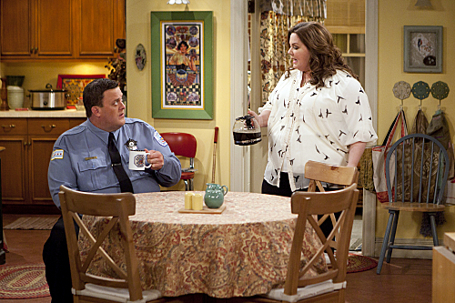 "Mike & Molly ""Bachelor / Bachelorette"" Season 2 Episode 21"