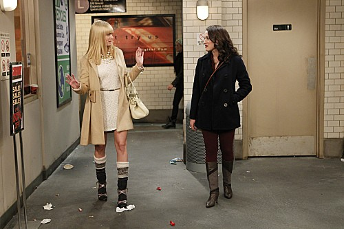 2 Broke Girls Season 2 Episode 5 And The Pre-Approved Credit Card (5)