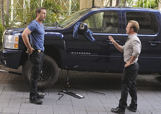 Hawaii Five-0 Season 3 Episode 8 Wahine'inoloa (Evil Woman) (2)