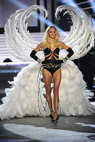 THE VICTORIA'S SECRET FASHION SHOW 2012 (12)