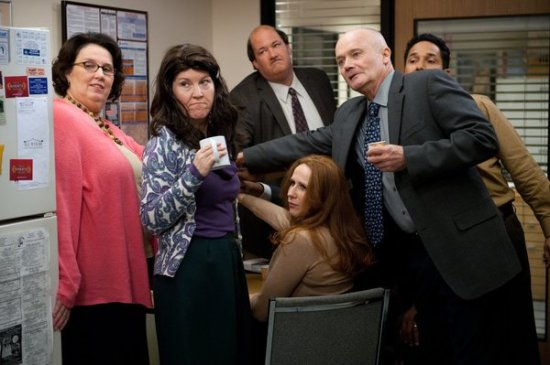 The Office Season 9 Episode 11 Suit Warehouse (2)