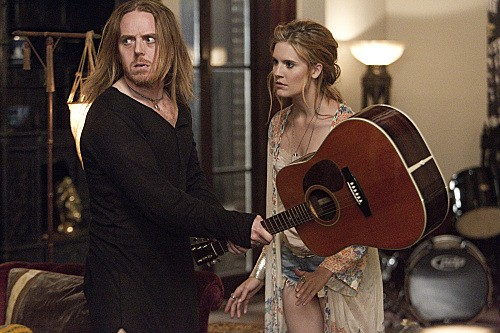 Californication Season 6 Episode 5 Rock and a Hard Place (8)