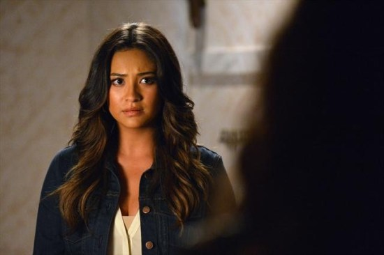 Pretty Little Liars Season 3 Episode 18 Dead to Me (2)