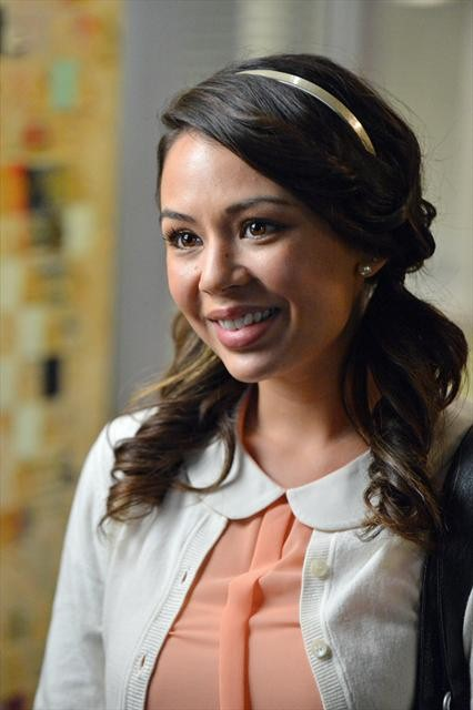 Pretty Little Liars Season 3 Episode 18 Dead to Me (11)
