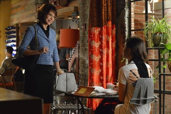 Pretty Little Liars Season 3 Episode 20 Hot Water (2)