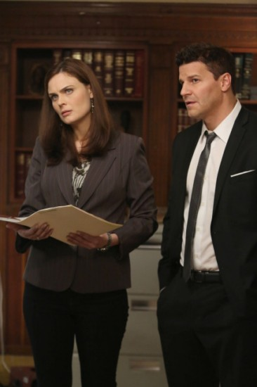 Bones Season 8 Episode 18 The Survivor in the Soap (3)