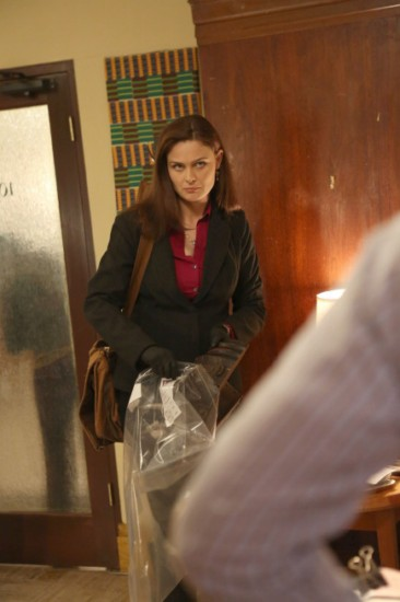 Bones Season 8 Episode 18 The Survivor in the Soap (4)