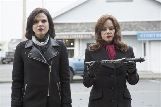 """Once Upon a Time Season 2 Episode 16 """"The Miller's Daughter"""" (5)"""