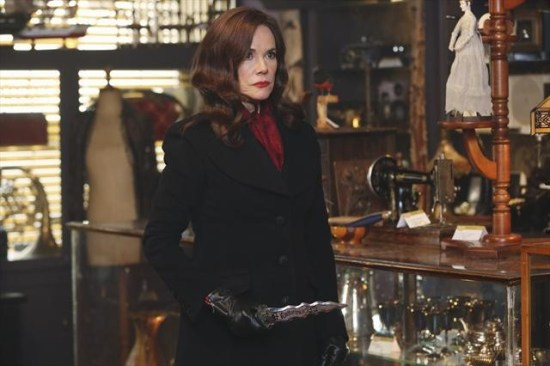 "Once Upon a Time Season 2 Episode 16 ""The Miller's Daughter"" (2)"